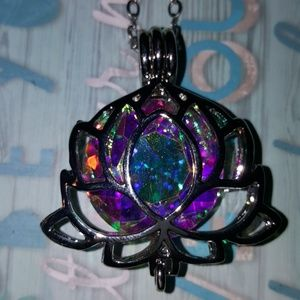 Jewelry - CRYSTAL INSIDE LOTUS FLOWER PENDANT CHAIN NECKLACE